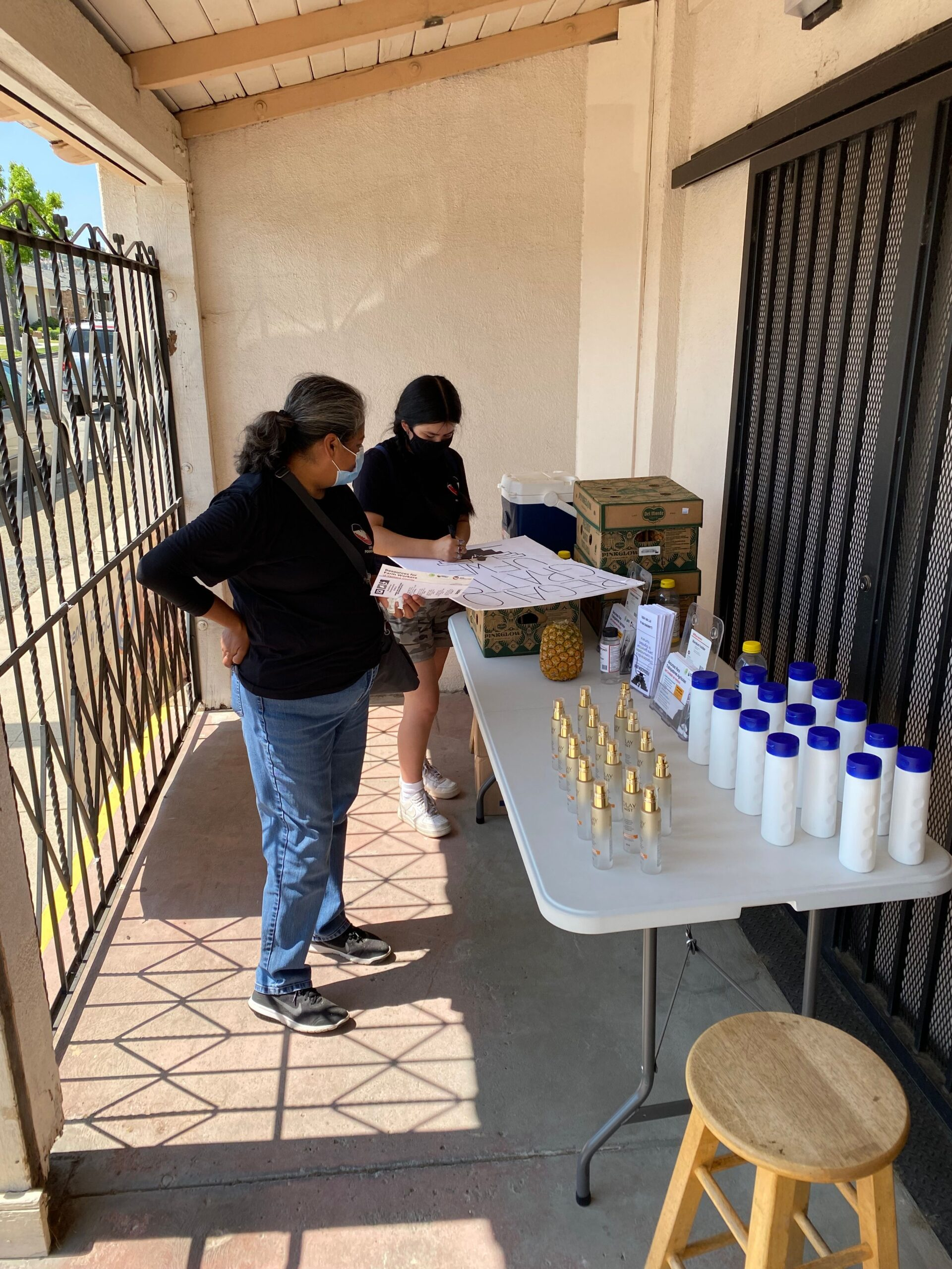 JAFRA Cosmetics Donates $5,000 Worth of Sun Care to Farmers In Need